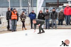 2016-01-Buegeleisen-Curling-Berlin-10-Mit-viel-Gefuehl-Offensichtlich