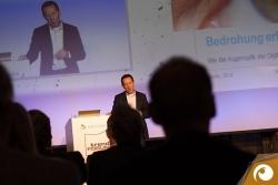 Prof. Dr. Björn Bloching (Roland Berger) - SPECTARIS   Offensichtlich.de