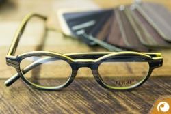 Auch kräfitige Farben sind mit Feb31st Holzbrillen möglich | Offensichtlich