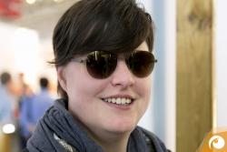 Probetragen - Jana testet auch gleich die neuen Farben der Zeiss Gläser in der Design D3 | Offensichtlich Berlin