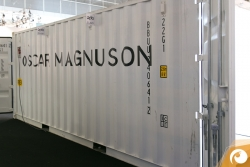 Viel auf Reisen - Oscar Magnuson im durchaus praktischem Messestand | Offensichtlich Berlin
