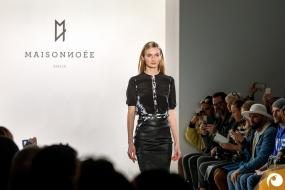 """'Prêt-à-porter' bedeutet """"Mode bereit zum Tragen"""" - Offensichtlich FashionWeek FRAMERS MAISONNOEE"""