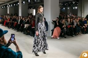 Florale Muster zu klassischem Schwarz werden 2017 Trends setzen | Offensichtlich FashionWeek FRAMERS MAISONNOEE