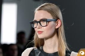 Justus steht ihr gut zu Gesicht | Margotte Offensichtlich FashionWeek FRAMERS MAISONNOEE