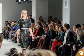 Es darf auch mal ein wenig Knie gezeigt werden | Offensichtlich FashionWeek FRAMERS MAISONNOEE