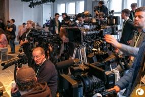 Die Medien sind bereit für die kommende Show | Offensichtlich FashionWeek FRAMERS MAISONNOEE