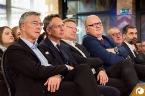 Josef May Vorsitzender des Verbandes SPECTARIS hörte auch gespannt zu | Offensichtlich.de Berlin