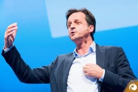 Psychologe Stephan Grünwald referiert über die positive Kundenkommunikation | Offensichtlich.de Berlin