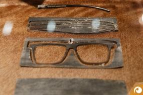 Die Fertigungsteile für eine You Mawo Büffelhorn Brille | Offensichtlich.de Berlin