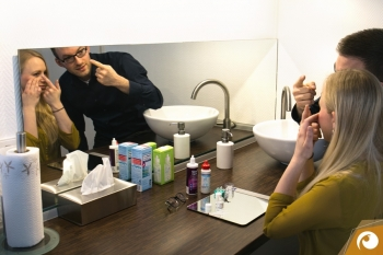 providing comprehensive instructions on the proper handling and care of your new contact lenses | Offensichtlich.de